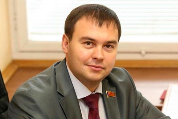 Секретарь ЦК КПРФ, член Президиума Афонин Ю.В. поздравляет с Новым Годом