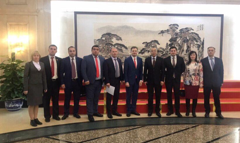 Лидер калужских комсомольцев посетил Китай с дипломатической миссией