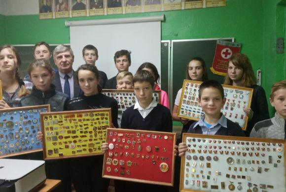 Встречая 101-ю годовщину со дня образования ВЛКСМ